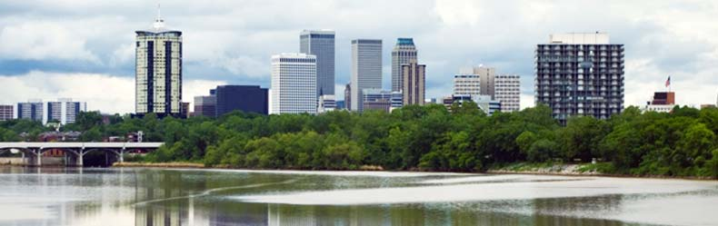 tulsa skyline with water